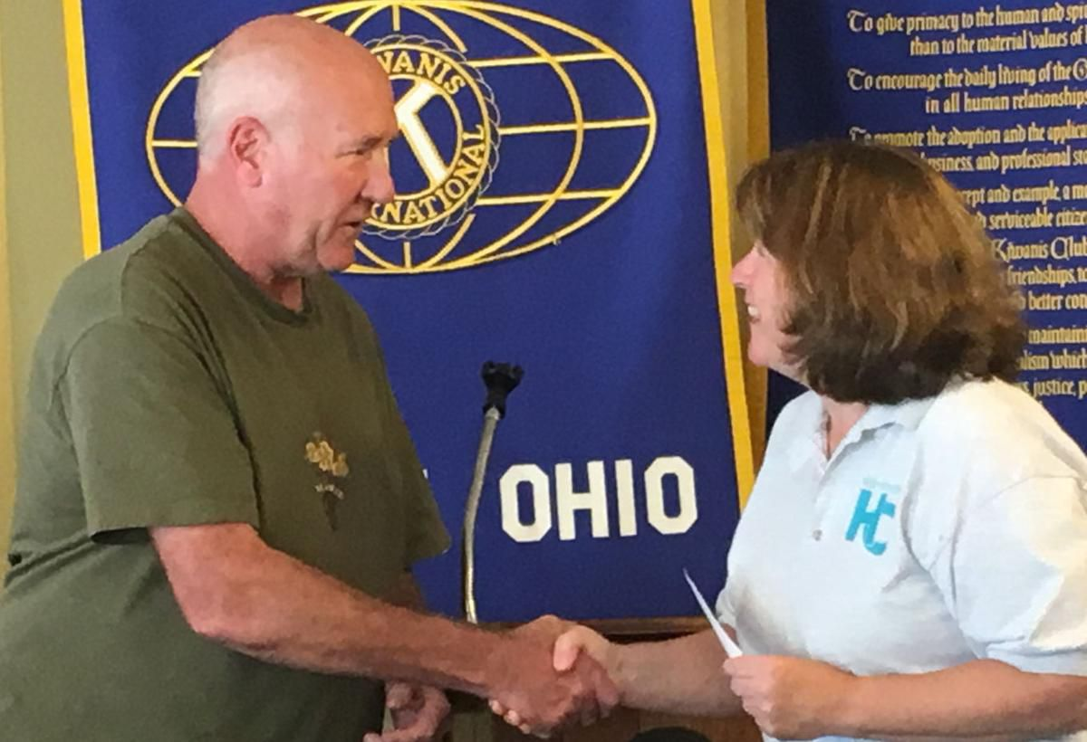 Kiwanis Donation for HCCC risers